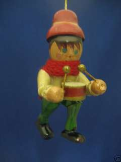VINTAGE DRUMMER BOY WOOD CHRISTMAS ORNAMENT 1970s CUTE