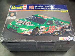 REVELL   BOBBY LABONTE #18 INTERSTATE BATTERIES   KIT