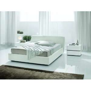Strip White Crocodile Leather Bed