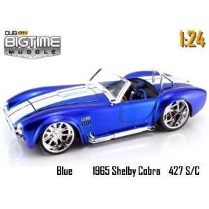 Muscle Blue 1965 Shelby Cobra 427 S/C 1:24 Scale Die Cast Car: Toys
