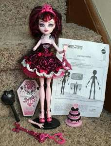 MONSTER HIGH DRACULAURA SWEET 16 DOLL & ACCESSORIES 1600 SERIES