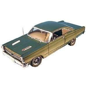 18 1966 Ford Fairlane Muscle Car, Dark Green Metallic Toys & Games