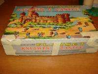 MINATURE KNIGHTS & CASTLE PLAYSET 1960S MARX BOX CASTLE KNIGHTS HORSES