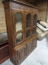 OAK SIGNED BAKER CHINA CABINET BREAKFRONT BEAUTIFUL DESIGNER |