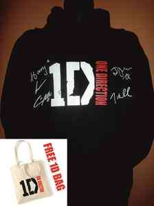 ONE DIRECTION OFFICIAL LOGO SIGNED HOODIE LTD EDITION   BLACK