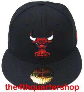 Chicago Bulls Logo New Era 59FIFTY Fitted All Black Cap Hat Red Bull