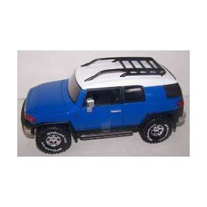 Jada Toys 1/24 Scale Diecast Dub City Toyota Fj Cruiser in Color Blue