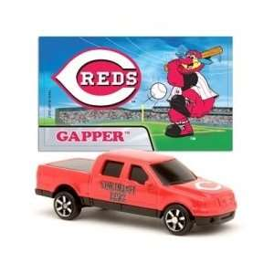 MLB 187 Scale Ford F 150 with Team Mascot Sticker   Reds