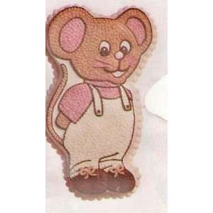 Wilton Little Mouse Cake Pan Home & Kitchen