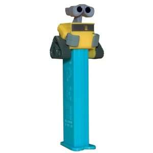 Finding Nemo PEZ Dispenser Mint on Card with 2 Packs of PEZ Candy