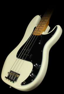Squier Fender Matt Freeman Precision Bass Vintage White